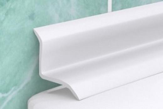 Плинтус для щели в ванной