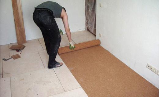 Как уложить подложку под ламинатный пол