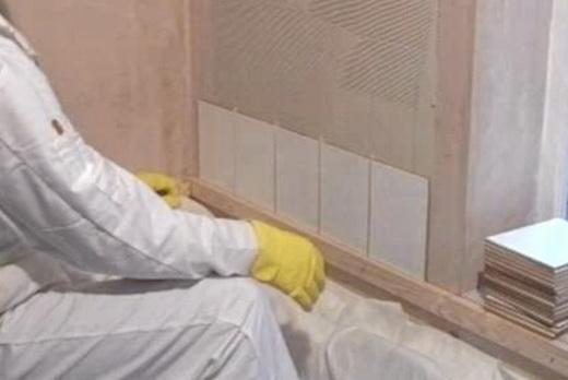 как положить плитку в ванне своими руками