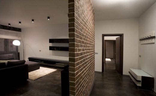 Кирпичная перегородка в интерьере квартиры