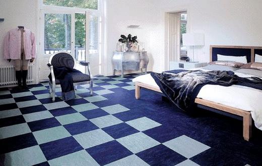 Спальня с мармолеумом на полу
