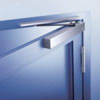 Как установить доводчик на дверь